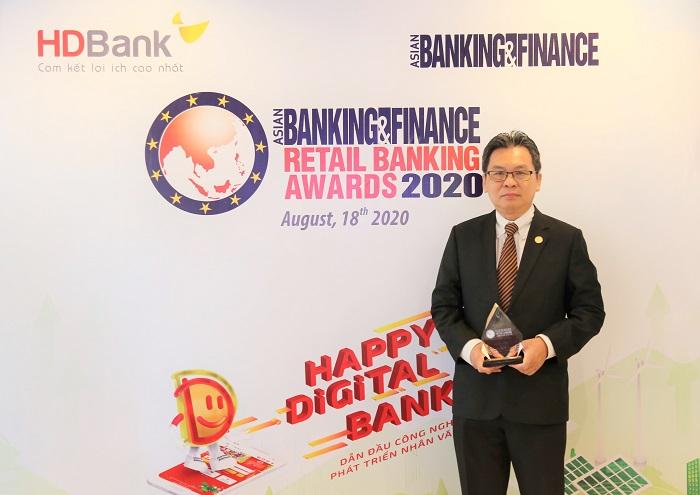 """HDBank lần thứ 2 liên tiếp nhận giải thưởng """"Ngân hàng bán lẻ nội địa tốt nhất"""" do tổ chức Asian Banking & Finance trao tặng"""