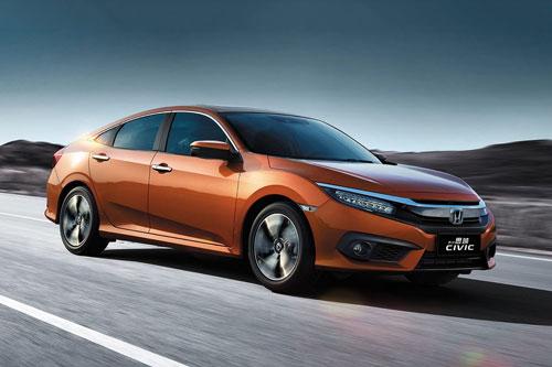 5. Honda Civic (doanh số: 26.240 chiếc).