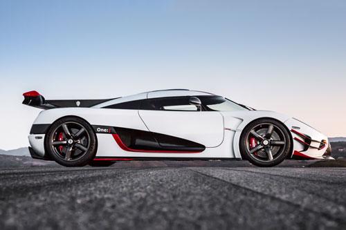 =4. Koenigsegg One (thời gian tăng tốc từ 0-96 km/h: 2,5 giây).