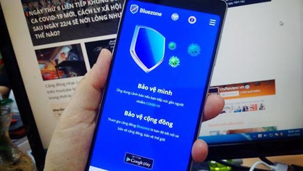 Cài đặt ứng dụng Bluezone giúp bảo vệ mình, bảo vệ cộng đồng trong cuộc chiến chống đại dịch Covid-19 (Ảnh: Internet)