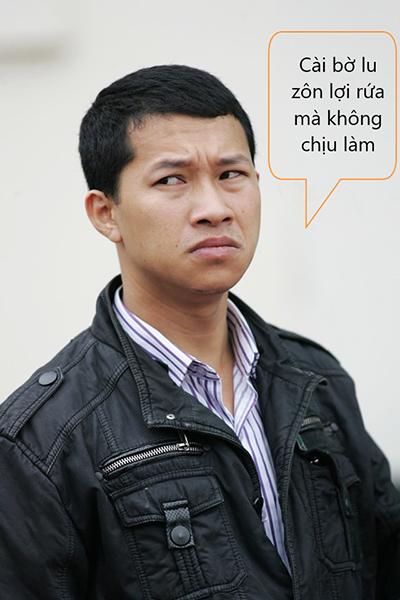 Vẻ mặt hài hước của Trưởng phòng Hoàng Khánh Hưng khi lên FB kêu gọi mọi người cài đặt ứng dụng Bluezone
