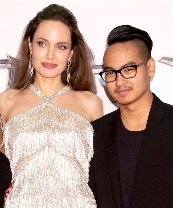 Angelina Jolie và Maddox. Ảnh: Shutterstock.