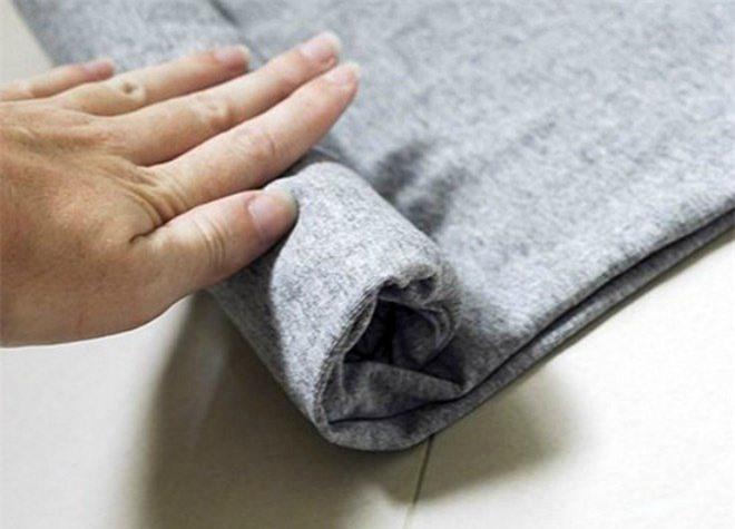Không cần ủi, là mà quần áo vẫn phẳng phiu nhờ những mẹo cực đơn giản - 3