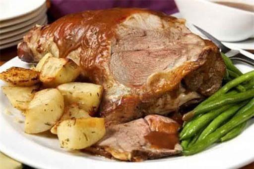 Thịt cừu hầm rượu vang