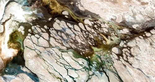 Những hình ảnh vệ tinh kỳ lạ biến Trái Đất trở nên lạ lẫm - 11