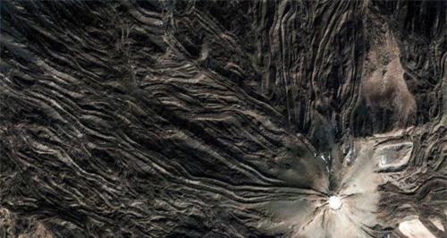 Những hình ảnh vệ tinh kỳ lạ biến Trái Đất trở nên lạ lẫm - 12