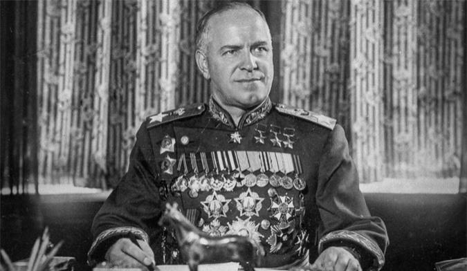 Sự lận đận chính trường của nguyên soái nổi tiếng Liên Xô