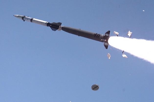 Nga đã tăng tầm bắn cho tên lửa Hermes lên 100 km. Ảnh: Reporter.