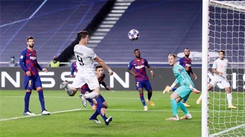 Lewandowski ghi bàn trong cả 8 trận đấu ra sân ở Champions League mùa này