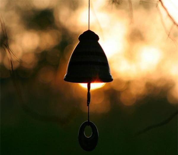 Nên làm gì để tránh điều không hay và mang lại may mắn trong tháng cô hồn? - Ảnh 1.