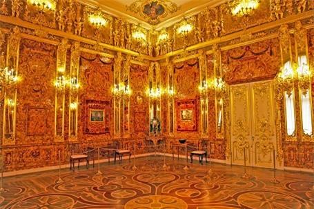 Bị đánh cắp năm 1943 tại Nga. Ước tính trị giá 170 triệu đô, gồm những tấm ván bằng hổ phách và vàng ròng.