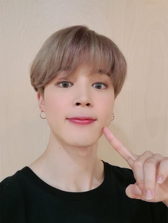 Ji Min (BTS) gây tranh cãi vì dùng filter chỉnh ảnh quá... nữ tính - Ảnh 2