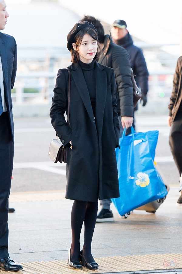 Tính cách thật ẩn trong vẻ lạnh lùng của Jin BTS, IU qua lời kể đồng nghiệp - Ảnh 6