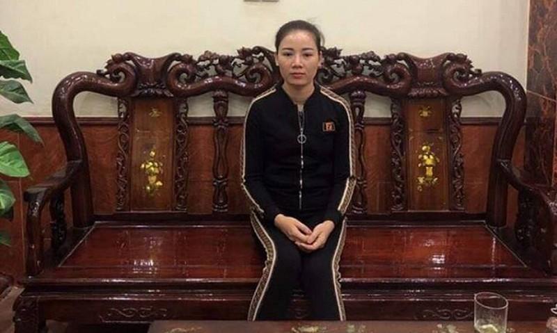Vợ bị cáo Nguyễn Chí Huân liên tục kêu oan cho chồng.