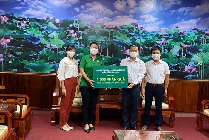 Carlsberg Việt Nam trao tặng 1.000 phần quà cho Uỷ Ban MTTQ Việt Nam tỉnh Quảng Trị