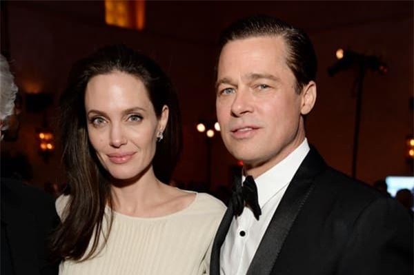 Angelina Jolie không cho các con gặp bố mẹ Brad Pitt suốt 4 năm liền 2