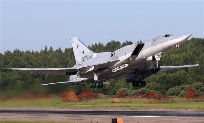 may bay nem bom tu-160m2 va tu-22m3m se dung cong nghe cua su-57 hinh 2