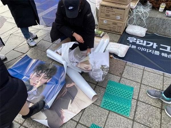 Phản ứng 'bên trời bên vực' giữa fan quốc tế và fan Hàn khi Idol hẹn hò - Ảnh 5