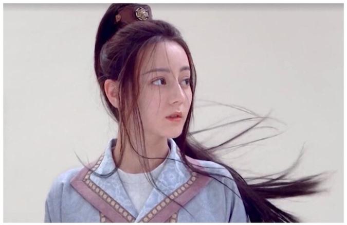 Tạo hình nữ trang của Địch Lệ Nhiệt Ba trong 'Trường ca hành' không nhận được nhiều lời khen, bị chê không đẹp bằng thời Phượng Cửu - Ảnh 14