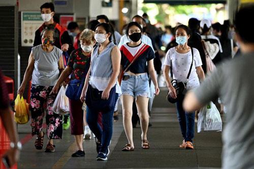 Những bệnh nhân nhiễm biến thể 382 của virus SARS-CoV-2 có kết quả lâm sàng tốt hơn. (Ảnh: The Straitstimes)