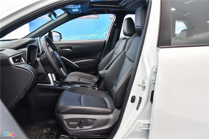 Chi tiet Corolla Cross 1.8HV, SUV duoi 1 ty trang bi dong co hybrid anh 9