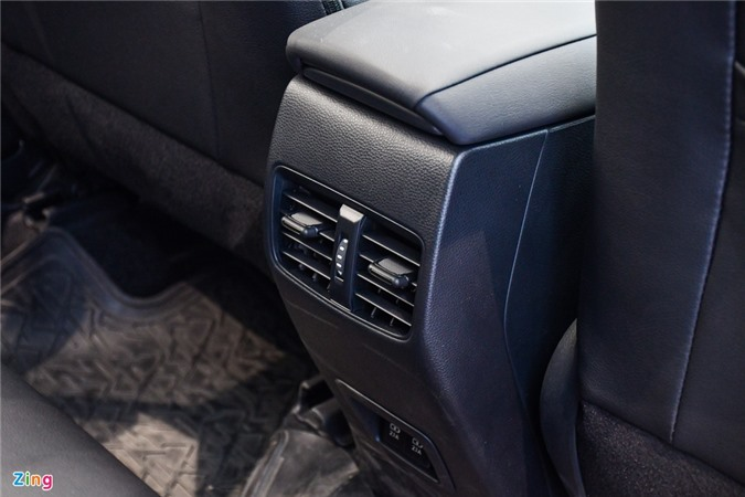 Chi tiet Corolla Cross 1.8HV, SUV duoi 1 ty trang bi dong co hybrid anh 11