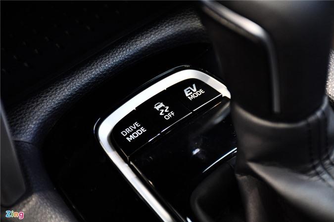 Chi tiet Corolla Cross 1.8HV, SUV duoi 1 ty trang bi dong co hybrid anh 12