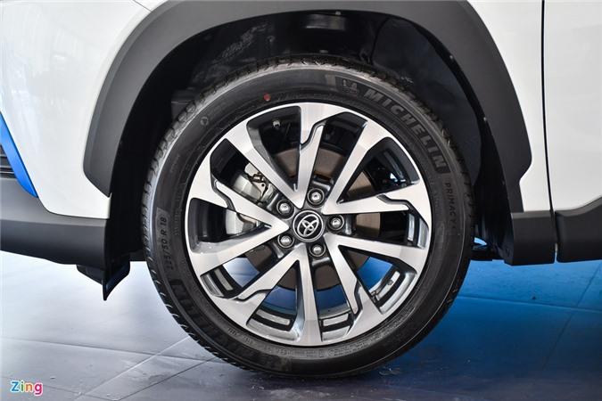 Chi tiet Corolla Cross 1.8HV, SUV duoi 1 ty trang bi dong co hybrid anh 4