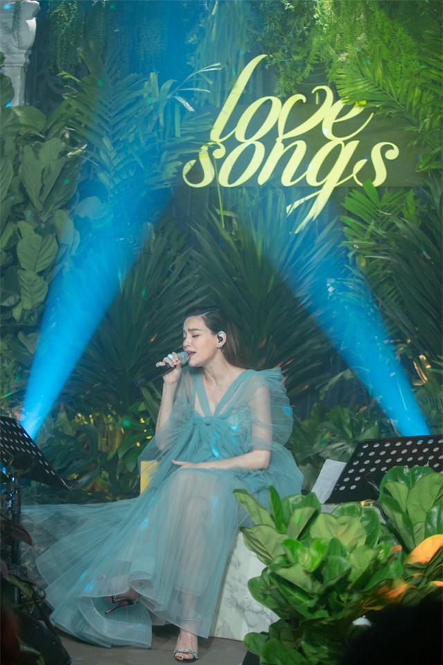 Những điều có thể bạn chưa biết về nữ ca sĩ Hồ Ngọc Hà và dự án Love Songs - Ảnh 1.