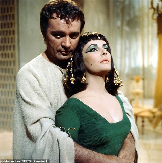 Xác ướp đôi nam nữ phủ kín vàng, yên nghỉ cùng nhau 2.000 năm trong đền cổ hé lộ nơi an táng bí mật của nữ vương tài sắc vẹn toàn Cleopatra - Ảnh 4.