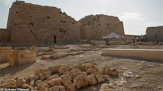 Xác ướp đôi nam nữ phủ kín vàng, yên nghỉ cùng nhau 2.000 năm trong đền cổ hé lộ nơi an táng bí mật của nữ vương tài sắc vẹn toàn Cleopatra - Ảnh 6.