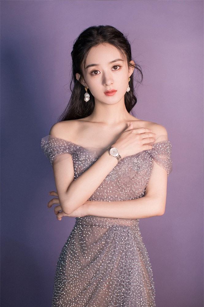 'Lên đồ' xinh như công chúa, Triệu Lệ Dĩnh bị gọi là Dương Mịch - ảnh 2