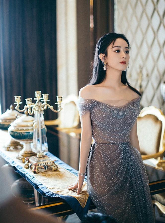 'Lên đồ' xinh như công chúa, Triệu Lệ Dĩnh bị gọi là Dương Mịch - ảnh 4
