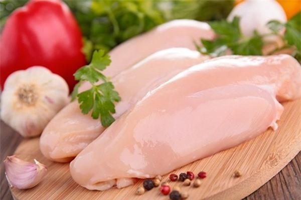 Thịt gà giúp cho trẻ tăng chiều cao