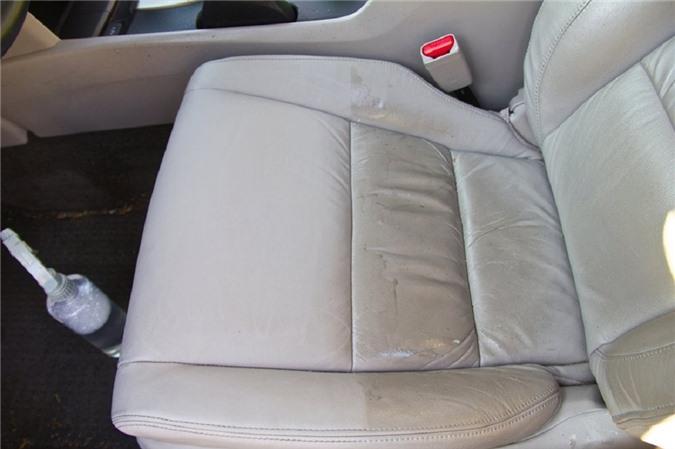 Những mẹo hay giúp ghế da trên xe luôn như mới