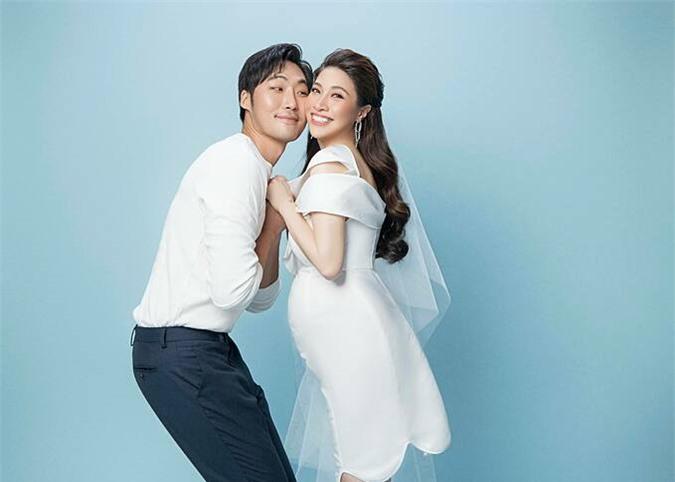 Ảnh cưới của Pha Lê và chồng.