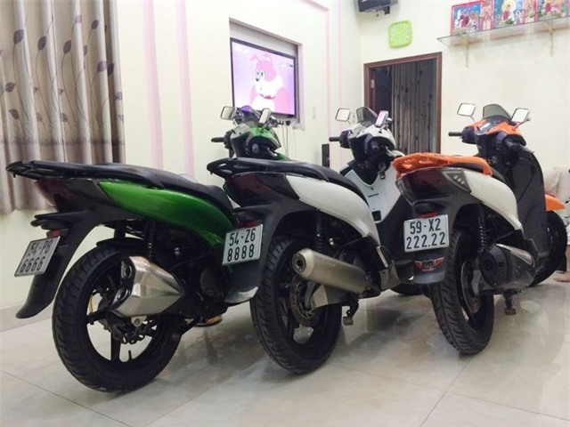 Dàn xe SH biển khủng, giá 'chát' tại Việt Nam
