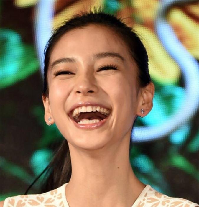 Danh sách những mỹ nhân có nụ cười xấu nhất Cbiz: Lưu Diệc Phi, Dương Mịch đều lọt top - Ảnh 8