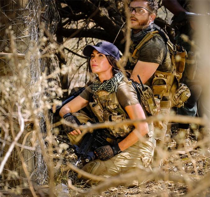 Megan Fox giũ bỏ hình ảnh nóng bỏng, lần đầu làm nữ người hùng trong phim  - Ảnh 1.