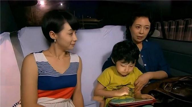 Phát hiện kẻ thứ 3 ly kỳ như phim, thái độ của vợ trẻ mới khiến chị em cúi đầu - 2