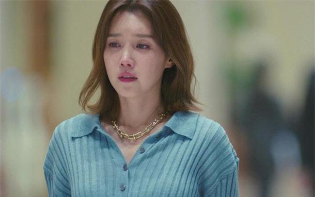 Mẹ chồng đuổi con dâu lấy vợ mới cho con trai, 3 năm sau bà khóc cạn nước mắt khi gặp người phụ nữ bên đường! - Ảnh 1.