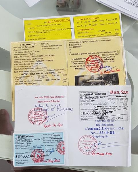 Với thủ đoạn đi thuê xe ôtô chỉ có giấy công chứng, nhưng sau khi vợ chồng Sương Tâm thuê thì đã có đầy đủ một bộ giấy tờ xe như thật. để đi lừa người dân.