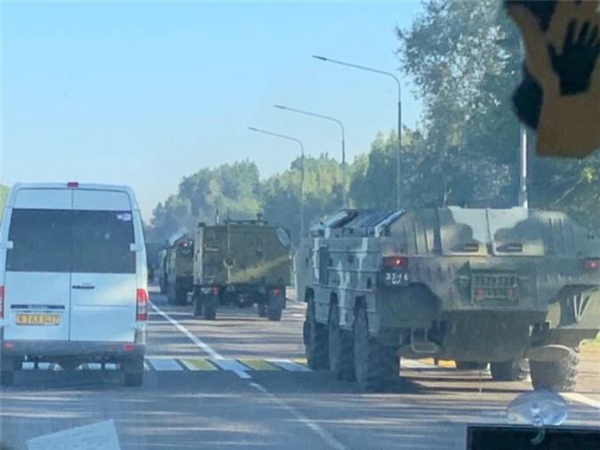 Belarus chuyen hang loat vu khi hang nang den tuyen bien gioi sat NATO-Hinh-5