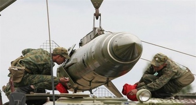 Belarus chuyen hang loat vu khi hang nang den tuyen bien gioi sat NATO-Hinh-6