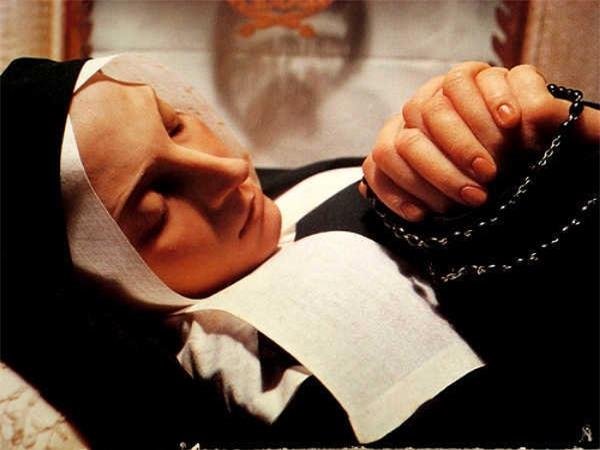 Chuyện ly kì về thánh nữ bất tử - 2