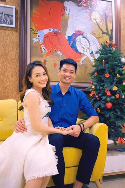 Trong khi chờ nhà mới, gia đình Bảo Thanh vẫn sống trong một khu chung cư mà cô mua cách đây vài năm. Đây là thành quả tích lũy của hai vợ chồng cô sau nhiều năm cưới cũng như nhờ hiệu ứng của vai Minh Vân trong phim Sống chung với mẹ chồng lên sóng năm 2017.