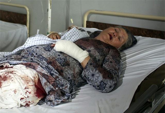 Hàng loạt vụ đánh bom đẫm máu tại Afghanistan trong 24 giờ qua, ít nhất 12 người thiệt mạng - Ảnh 1.