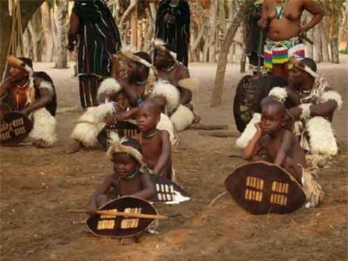 Lễ hội kiểm tra trinh tiết của bộ tộc Zulu - 2
