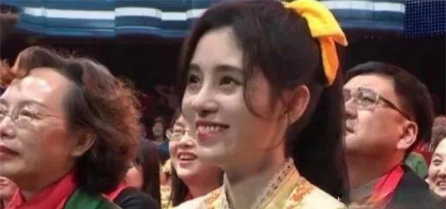 Nhan sắc thật của Thẩm Nguyệt và Cúc Tịnh Y dưới ống kính CCTV - Ảnh 6