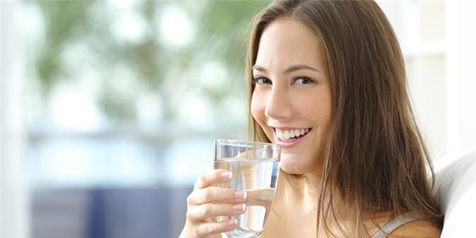 Sai lầm khi uống nước gây hại gan thận của bạn